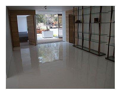 interior022.jpg